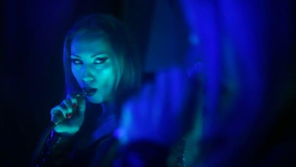 Делает видеоролик вечеринок русских онлайн порно