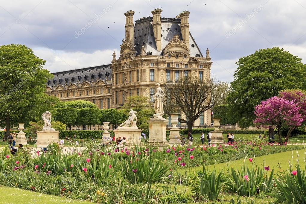 Jardin des Tuileries in paris — Redaktionelles Stockfoto © goga18128 ...