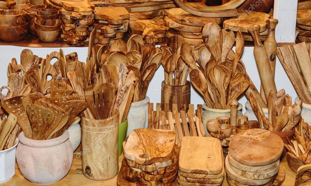 Ustensiles de cuisine en bois d 39 olivier beau motif de - Ustensiles de cuisine en bois ...