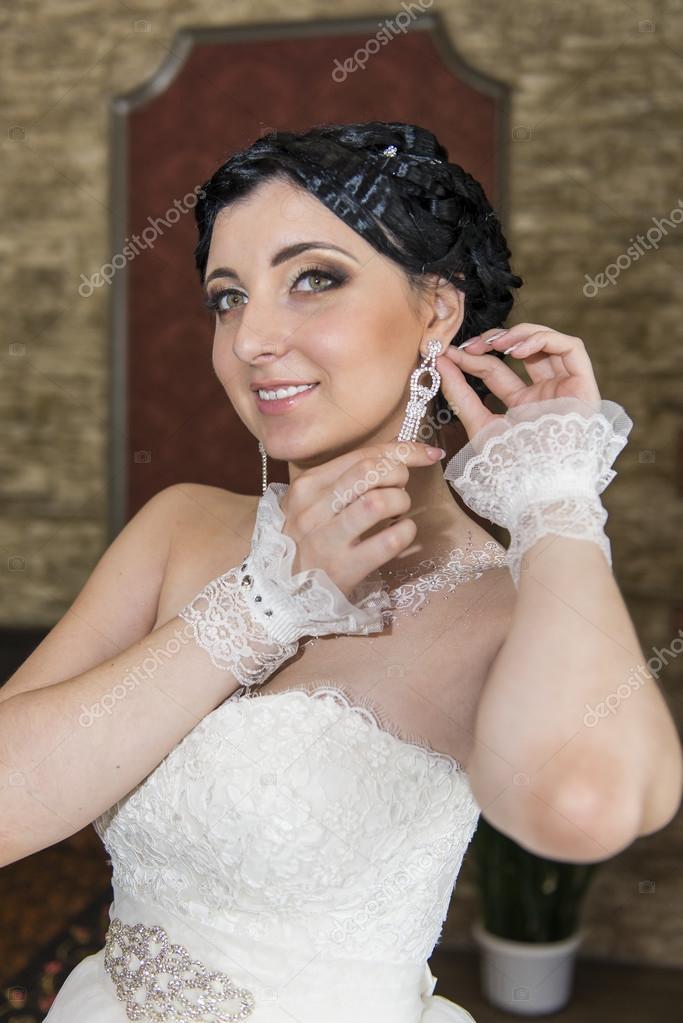 Örhängen med diamant hängen pryder brud smycken bröllop bild bruden–  stockbild 83a88e92a3bbd