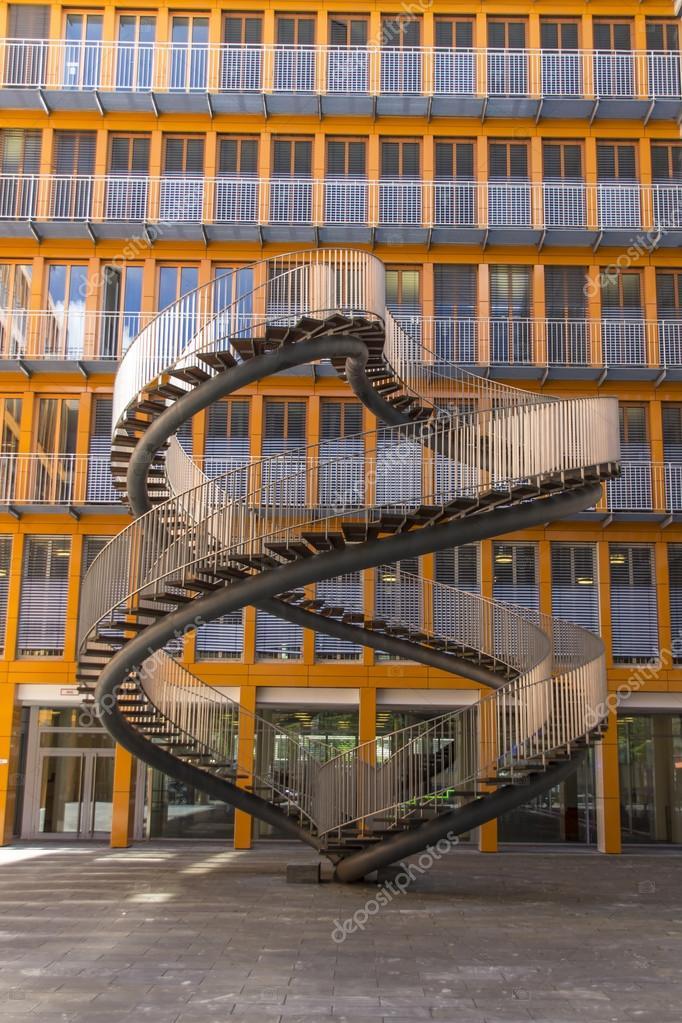 Treppen München neuschreibens treppen endlose strairs bildhauerei an