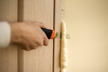 Master knife cuts polyurethane foam