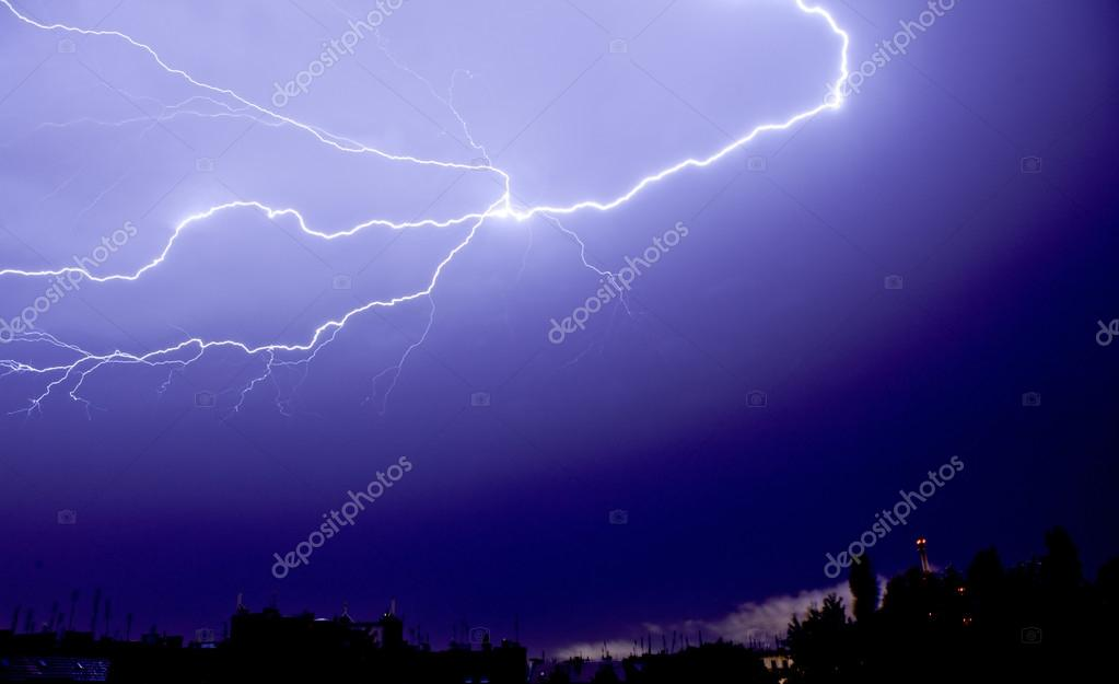 lightning in the sky at night