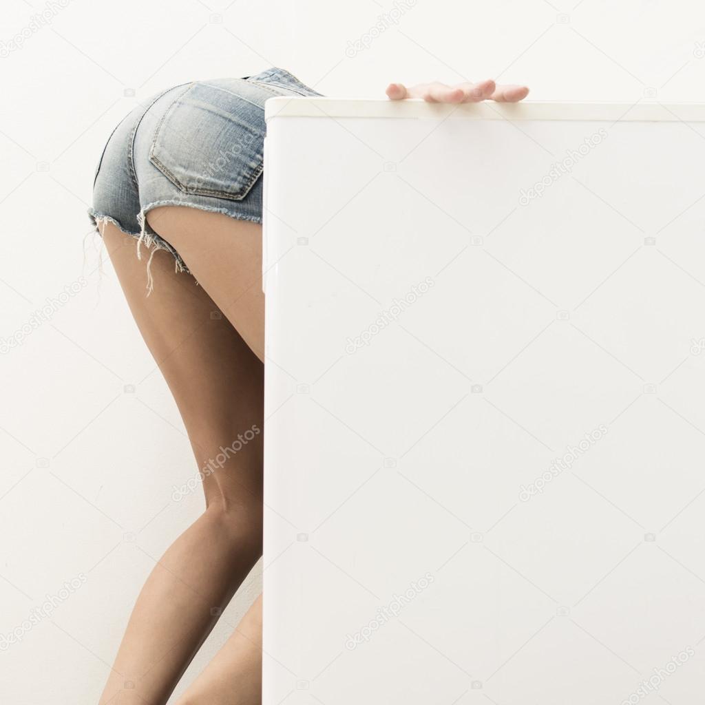 kühlschrank frau nackt