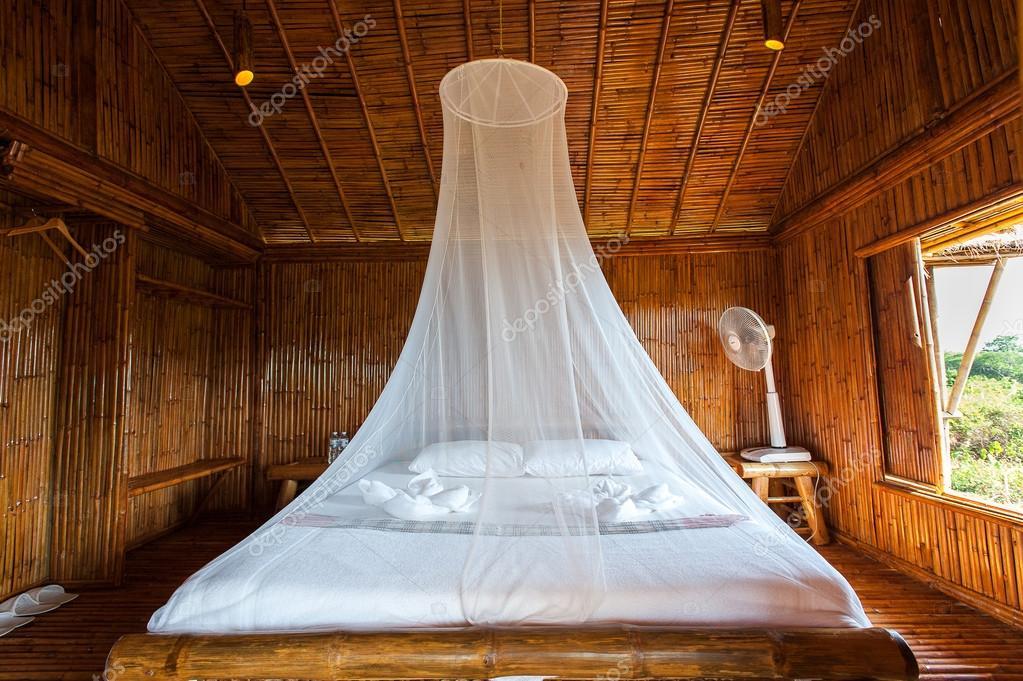 camera da letto in stile rustico con letto a baldacchino, bambù ... - Camera Da Letto Con Baldacchino