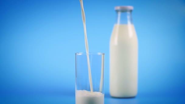 mléko do skla