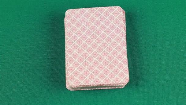 Eso v horní části balíček karet.