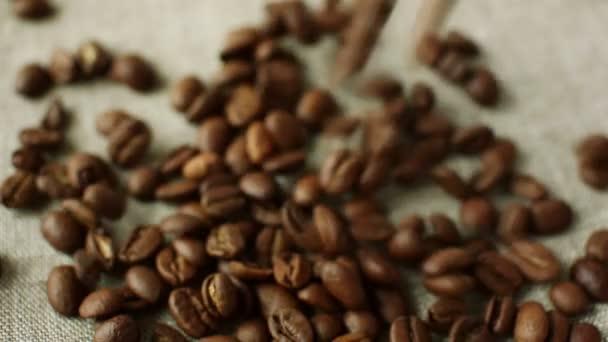 Klesající aromatické pražená kávová zrna