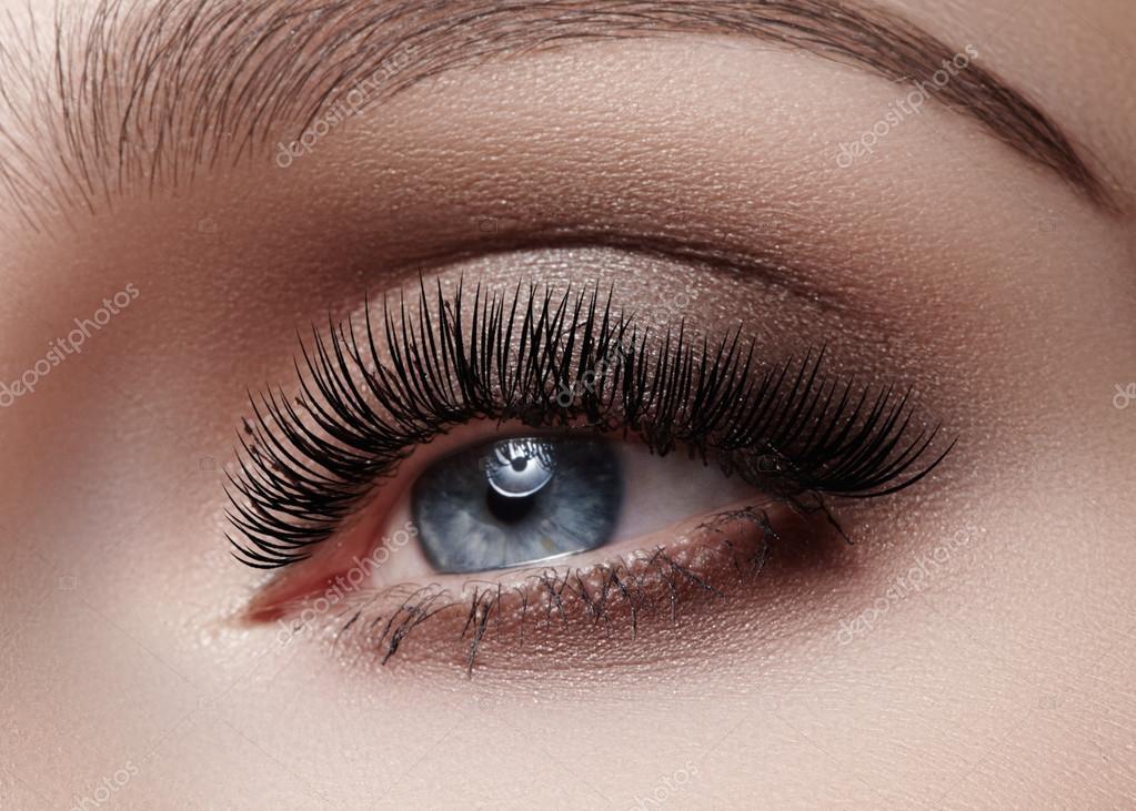 Strzał Makro Piękne Female Oko Z Klasyczny Makijaż Smoky Idealny