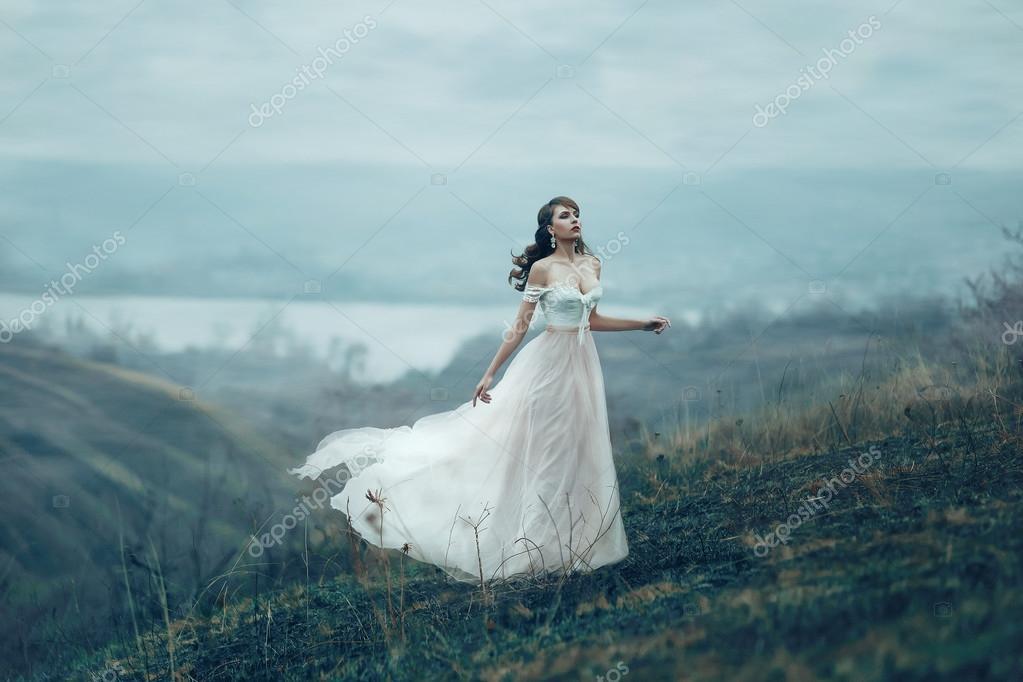 Фото девушек в прозрачном костюме, худенькую в анал в фото