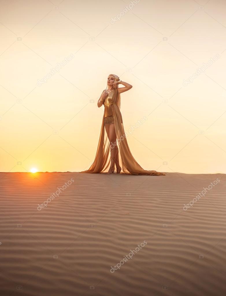 Une Dans D'or— Belle Robe Désert Photographie Liqwer20 Reine Du TcF31JlK