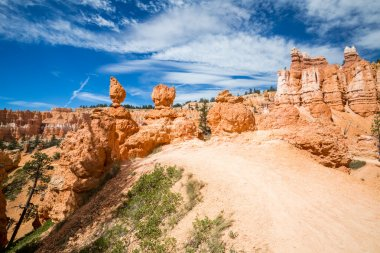 Views of the hiking trails in Bryce Canyon National Park
