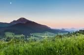 Horská Choc za úsvitu poblíž Dolny Kubin, Slovensko