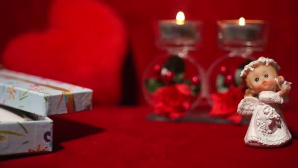 Valentýn dárek, svíčky a Angel 4k