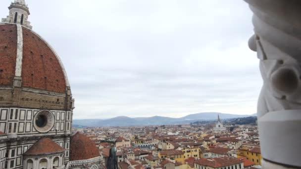 Florentská katedrála na zamračený den panorama zprava doleva