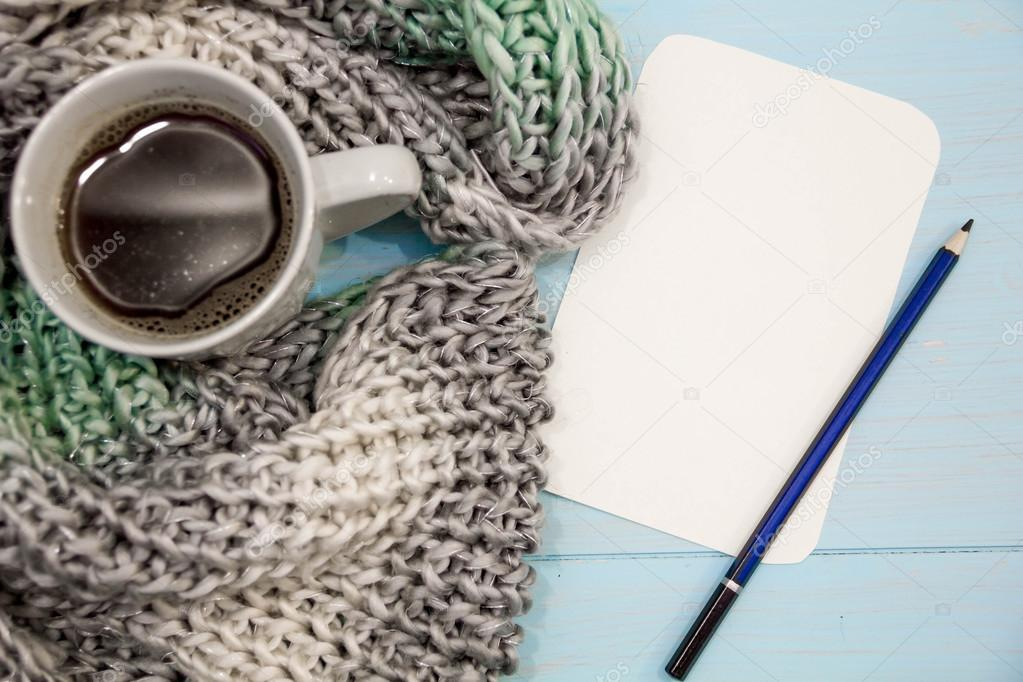 Agradable fondo de invierno suave, punto suéter caliente café ...