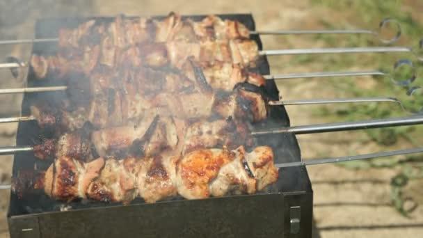 Vaření z hovězí kebab na pánev