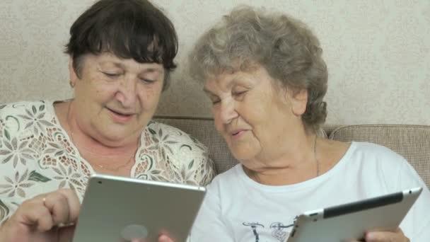 Výsledek obrázku pro two old woman with laptop