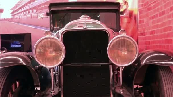 Saint-Petersburg, Oroszország-január 10, 2015-ös amerikai kiállítás veterán autók Muscle Car Show Retro autó Buick 1929 27-116-sorozat. Elülső kilátás. HD