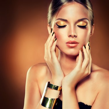 Fashion girl with beauty make up