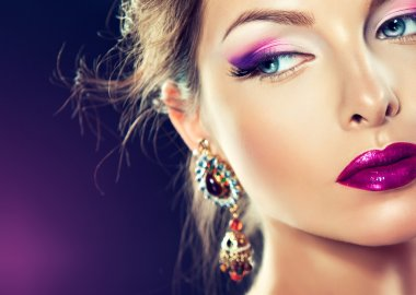 model with jewelry earrings