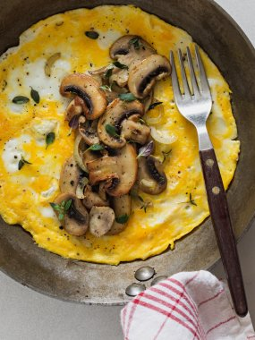 vegetarian omelet with mushrooms