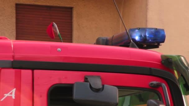 Fire truck top verlichting — Stockvideo © videodream #100202160