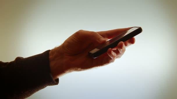 Ruční držení smartphone