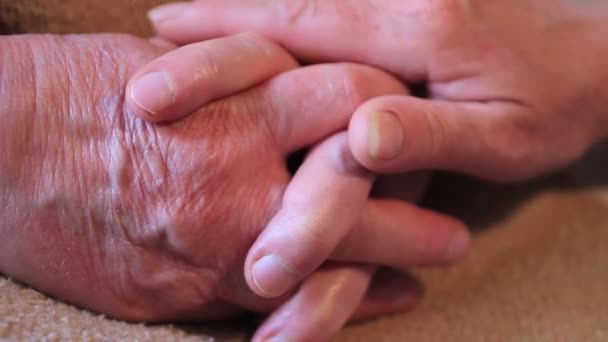 Ruce dotýkali