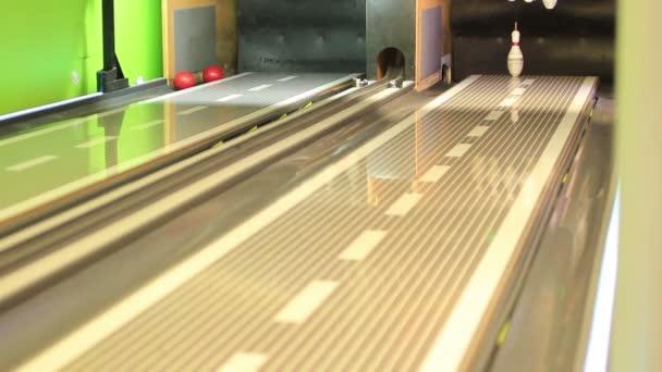 bowlingovou zasáhnout čep