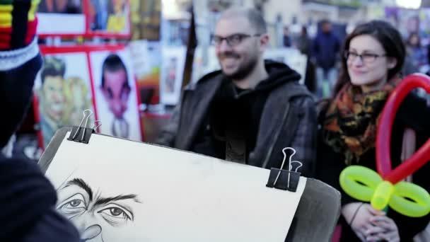 Malíř, kreslení portrét dvou milenců