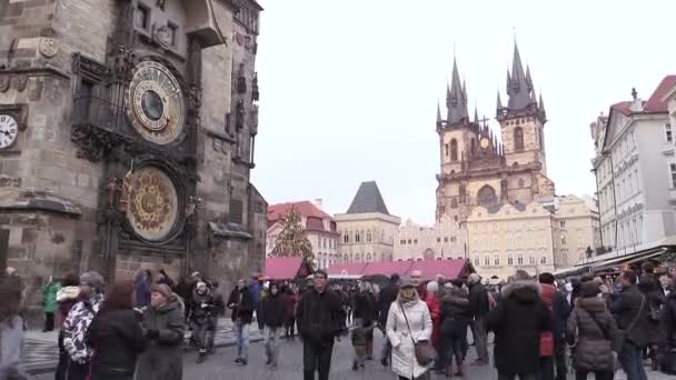crowd of people in the center of Prague during christmas time