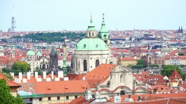 pohled na město Prahu: krajina z Prahy