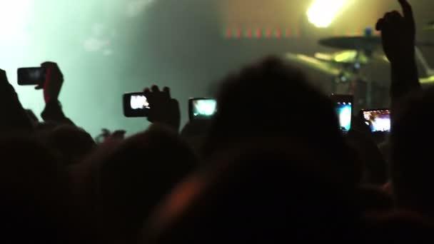Rock koncert publikum