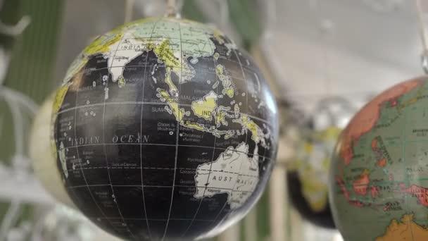 Globe miniatúrák a boltban