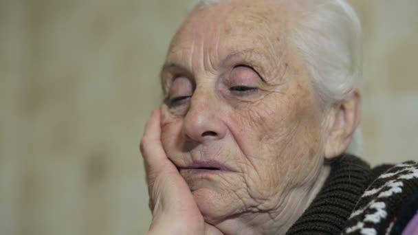 Smutné, starší žena myšlení: potíže, staré, věku, přemýšlivý, problémové