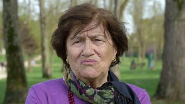 sehr alte Frauen Videos