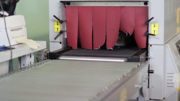 lahví vyjít z montážní linky