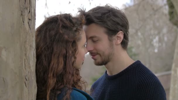 dating een man met een live in vriendin aansluiting Asheville NC
