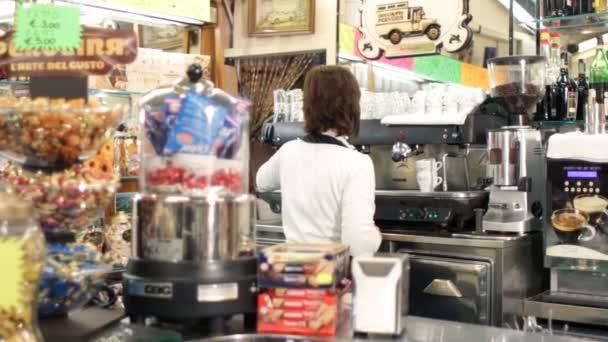 Takže kávu espresso v italské bar - dolly