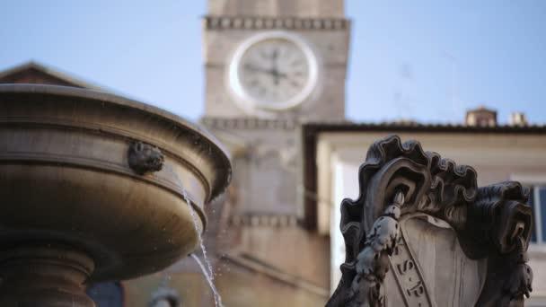 Piazza di santa maria v trastevere v Římě, Itálie