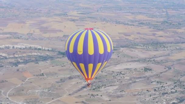 Turecko Kappadokie krásné bubliny let kamenná krajina