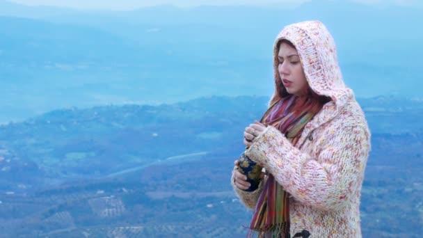 Žena s urn, po otcově pohřbu, poslední přání