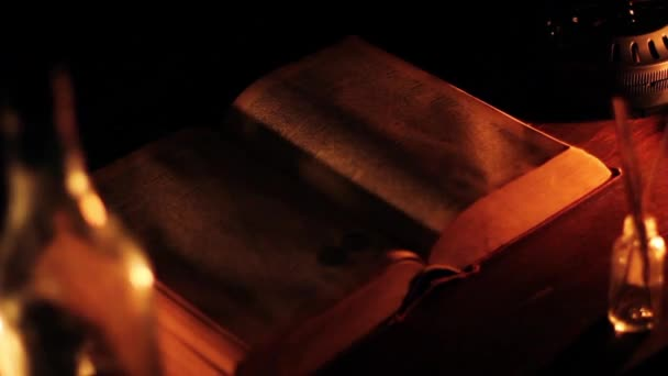 könyv- és egyéb régiségek