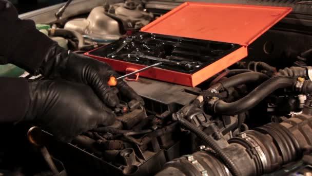 Auto szerelő javítási autó-motor