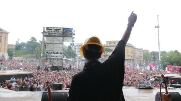 Multisala del pubblico ballo e chitarra giocatori gioco - Roma, Italia, 1 maggio 2015