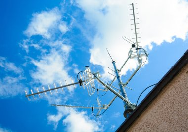 complex antenna to receive digital TV and radio signals at the antenna mast - a common TV antenna (to receive signals: DVB-T, DVB-T2, DAB, FM from 4 directions)