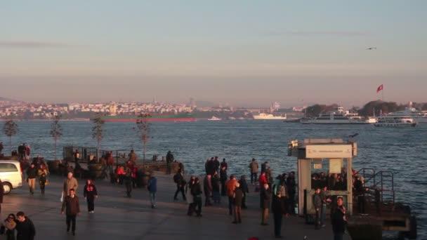 people walking, istanbul city,  turkey