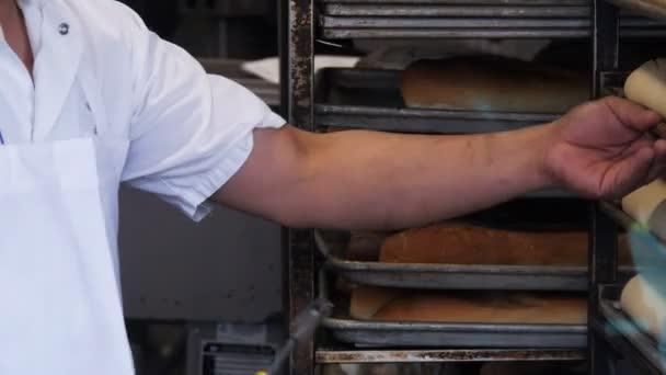 baker scoring loaves