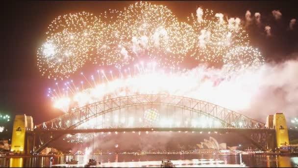 ohňostroje na Sydney Harbor Bridge